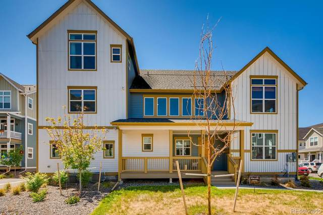 2824 S Fox Street, Englewood, CO 80110 (#4456638) :: The Griffith Home Team