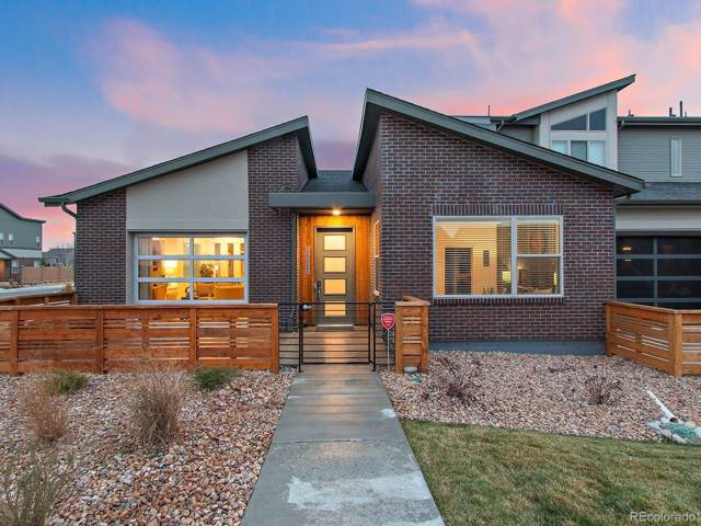 19558 E Sunset Circle, Centennial, CO 80015 (#4517260) :: The Gilbert Group