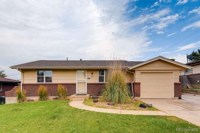 992 S Harlan Way, Lakewood, CO 80226 (#4535866) :: Structure CO Group