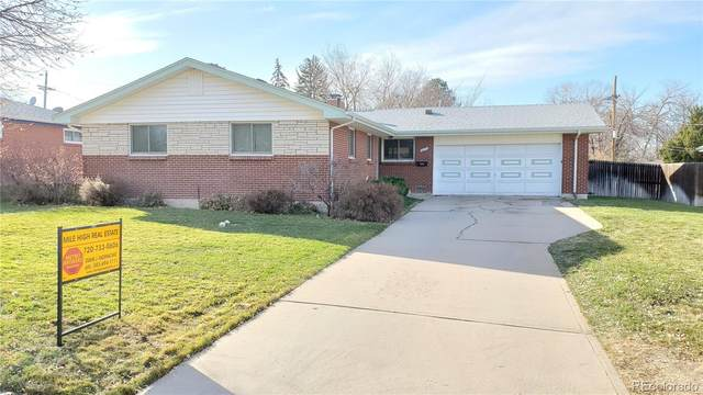237 Moline Court, Aurora, CO 80010 (#4755636) :: Realty ONE Group Five Star