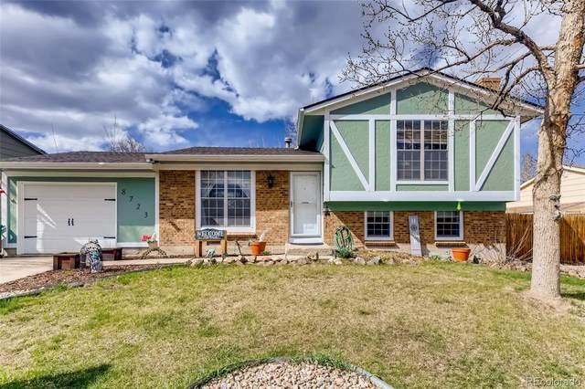 8723 W Floyd Avenue, Lakewood, CO 80227 (#4805153) :: iHomes Colorado