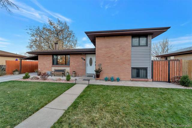 12792 E Park Lane Drive, Aurora, CO 80011 (MLS #4902636) :: Neuhaus Real Estate, Inc.