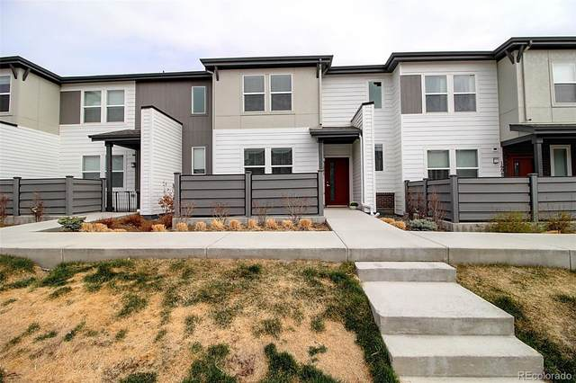 16081 Bolling Drive, Denver, CO 80239 (#5090957) :: The DeGrood Team