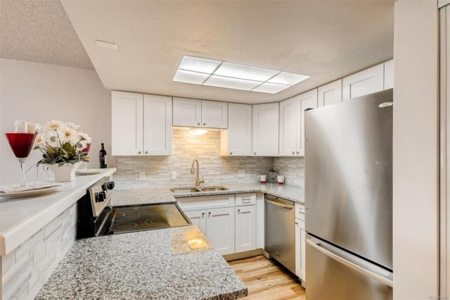 17094 E Tennessee Drive #102, Aurora, CO 80017 (#5104109) :: The Heyl Group at Keller Williams