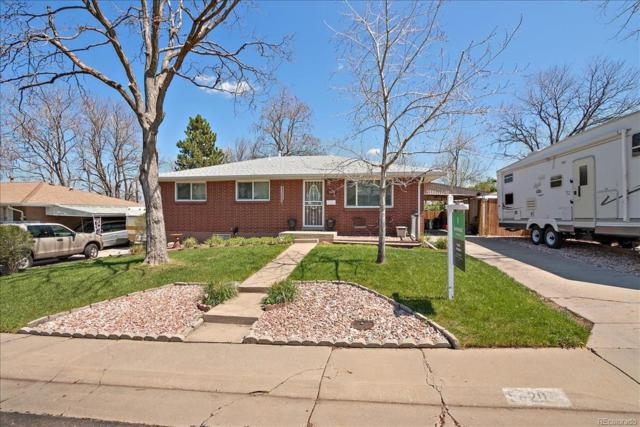 5620 Johnson Street, Arvada, CO 80002 (#5184635) :: The DeGrood Team