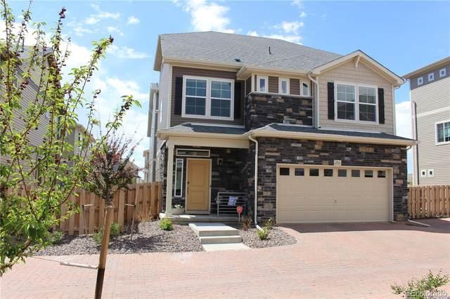 233 S Oak Hill Street, Aurora, CO 80018 (#5275472) :: HomeSmart Realty Group