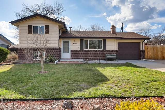 5253 Arbutus Street, Arvada, CO 80002 (#5321402) :: The Dixon Group