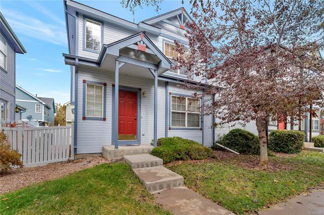 1561 S Buckley Circle, Aurora, CO 80017 (#5337499) :: The HomeSmiths Team - Keller Williams