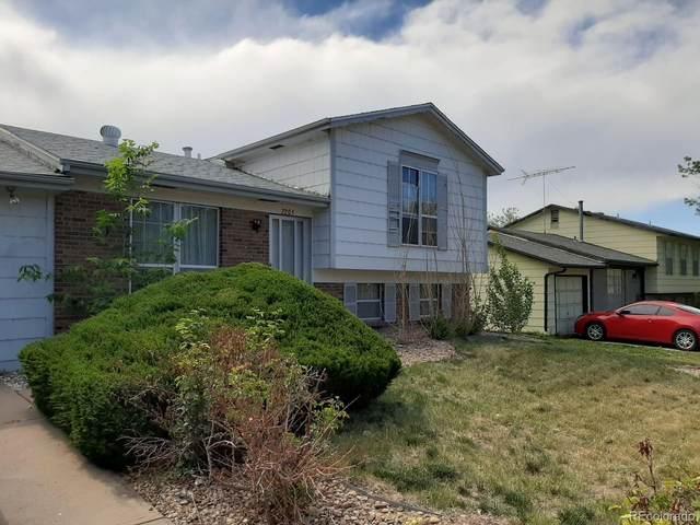 2205 S Kittredge Way, Aurora, CO 80013 (#5375818) :: The HomeSmiths Team - Keller Williams