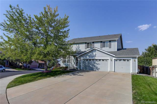 5242 S Riviera Circle, Aurora, CO 80015 (#5415354) :: Compass Colorado Realty