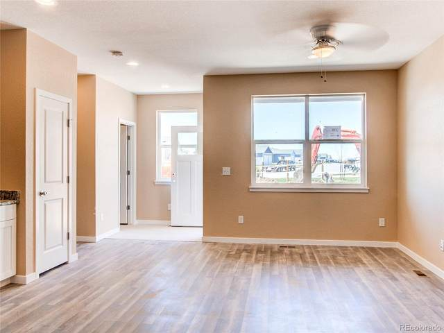 272 S 4th Court, Deer Trail, CO 80105 (#5420582) :: Compass Colorado Realty