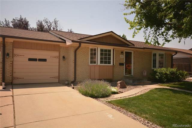 8542 W Colorado Place, Lakewood, CO 80232 (#5465369) :: You 1st Realty