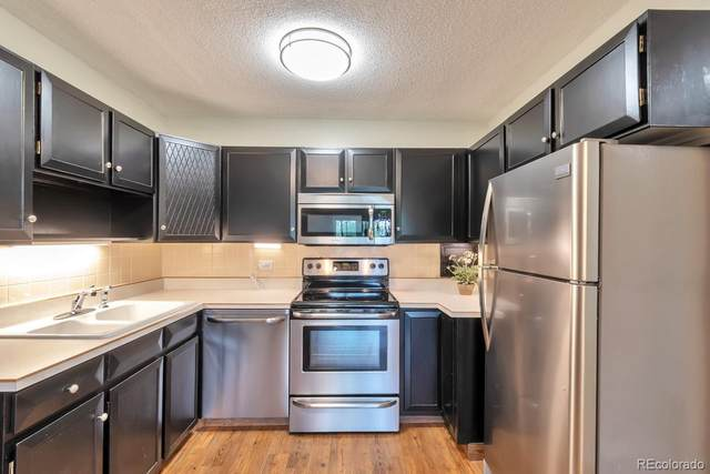 650 S Alton Way 8B, Denver, CO 80247 (#5477557) :: The HomeSmiths Team - Keller Williams