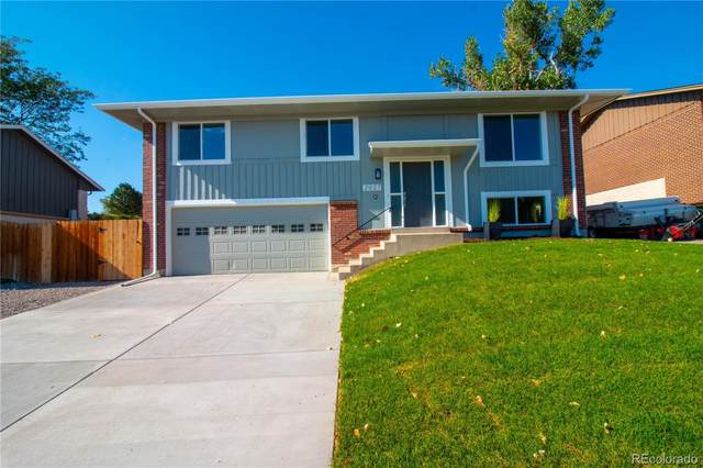 2027 S Welch Circle, Lakewood, CO 80228 (#5484019) :: Symbio Denver