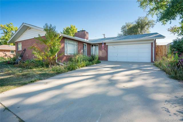 6052 Newcombe Court, Arvada, CO 80004 (#5510914) :: The DeGrood Team