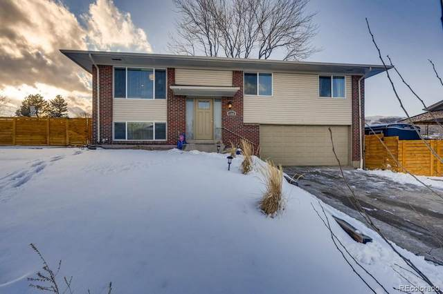 1849 S Welch Circle, Lakewood, CO 80228 (#5526240) :: The Harling Team @ HomeSmart