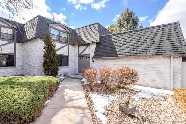 3511 S Hillcrest Drive #2, Denver, CO 80237 (#5651808) :: The Dixon Group