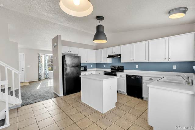 20161 E Belleview Place, Centennial, CO 80015 (#5735341) :: The Brokerage Group