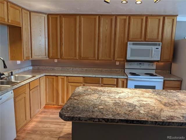 8828 E Florida Avenue G10, Denver, CO 80247 (#5764854) :: The Artisan Group at Keller Williams Premier Realty