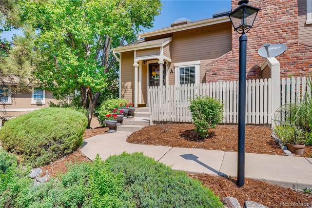2875 W Long Circle A, Littleton, CO 80120 (#5995826) :: The DeGrood Team