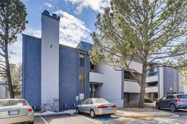 6420 S Dayton Street #2, Englewood, CO 80111 (#6032401) :: Bring Home Denver with Keller Williams Downtown Realty LLC