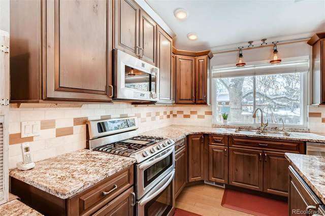 4434 E Maplewood Way, Centennial, CO 80121 (#6057014) :: The Healey Group
