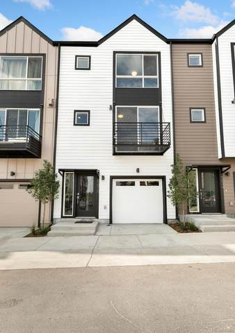 5621 W 11th Place, Lakewood, CO 80214 (#6138848) :: The DeGrood Team