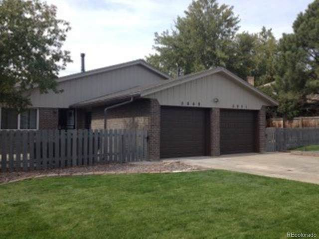 5949 Newcombe Court, Arvada, CO 80004 (#6305448) :: The DeGrood Team