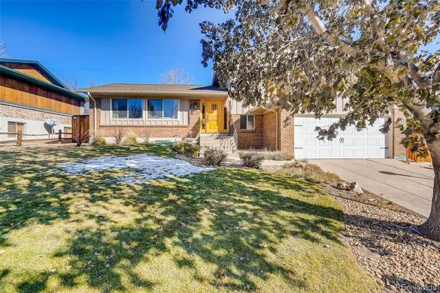 13535 W Warren Circle, Lakewood, CO 80228 (#6438407) :: The DeGrood Team