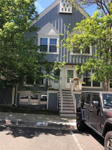 9966 W Cornell Place, Lakewood, CO 80227 (#6462390) :: Kimberly Austin Properties