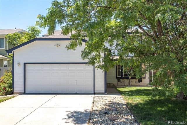 4349 Deephaven Court, Denver, CO 80239 (#6551612) :: The DeGrood Team
