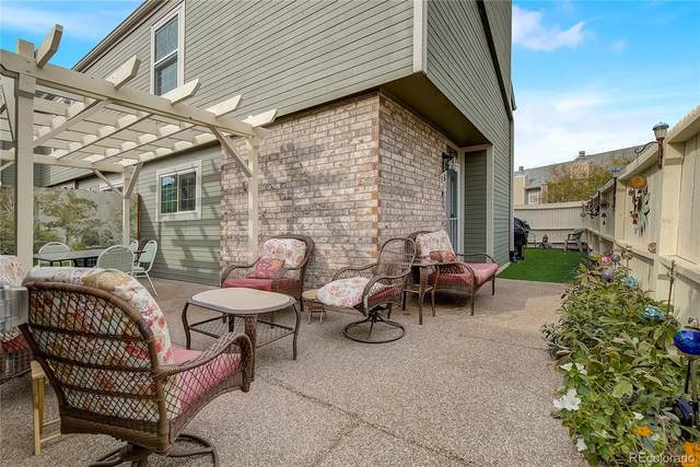 3447 S Ammons Street 8-6, Lakewood, CO 80227 (#6610231) :: Peak Properties Group