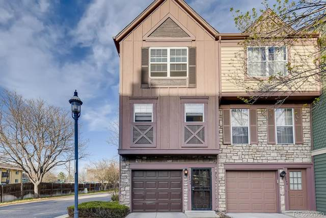 12048 E Ford Circle, Aurora, CO 80012 (#6935910) :: The Peak Properties Group