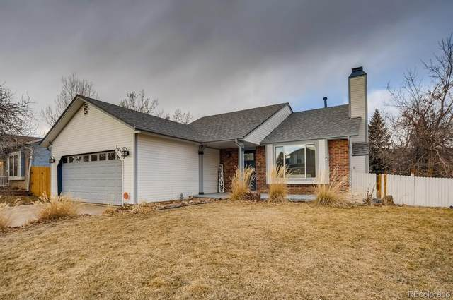 19733 E Oxford Drive, Aurora, CO 80013 (#7000271) :: iHomes Colorado