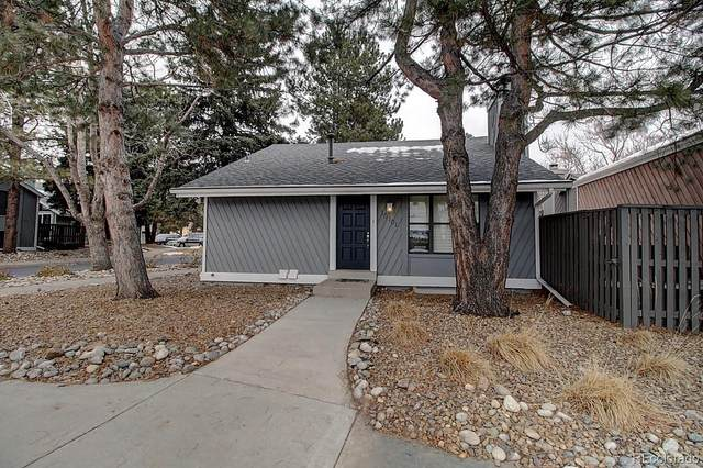 10101 E Peakview Avenue, Englewood, CO 80111 (#7022864) :: Bring Home Denver with Keller Williams Downtown Realty LLC
