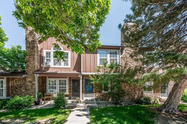 1237 S Flower Circle D, Lakewood, CO 80232 (#7147107) :: Berkshire Hathaway HomeServices Innovative Real Estate