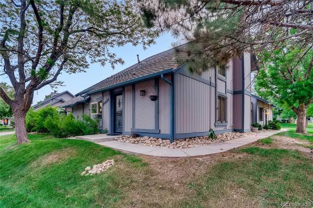 2407 S Victor Street F, Aurora, CO 80014 (#7208254) :: The Griffith Home Team