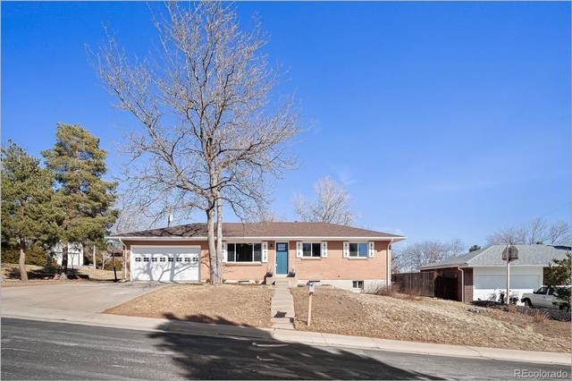 1402 S Vivian Way, Lakewood, CO 80228 (#7217558) :: HomeSmart