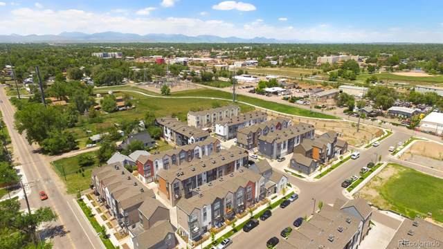 5570 W 11th Place, Lakewood, CO 80214 (#7348647) :: Bring Home Denver with Keller Williams Downtown Realty LLC