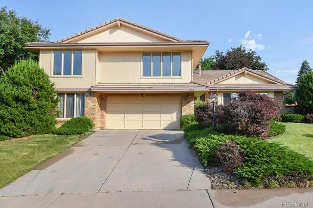 11135 W Pacific Court, Lakewood, CO 80227 (#7488364) :: iHomes Colorado