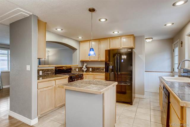 3261 W Radcliff Drive, Englewood, CO 80110 (#7613196) :: Relevate | Denver