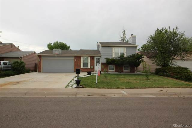 864 Madison Way, Bennett, CO 80102 (#7805440) :: The Griffith Home Team