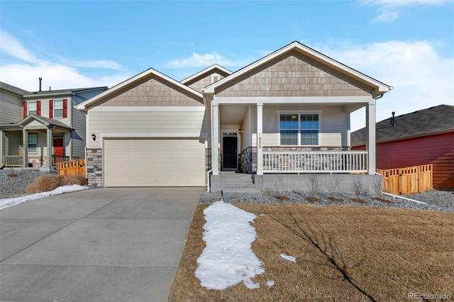 19919 E 61st Drive, Aurora, CO 80019 (#7990275) :: HomeSmart