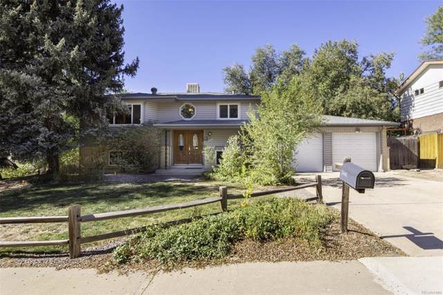 2441 S Garland Court, Lakewood, CO 80227 (#8010250) :: The Gilbert Group