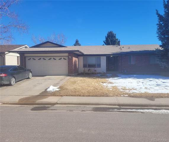 2152 S Yank Way, Lakewood, CO 80228 (#8045704) :: iHomes Colorado