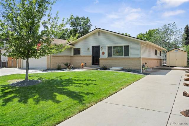1013 S Holland Street, Lakewood, CO 80226 (#8178989) :: The HomeSmiths Team - Keller Williams