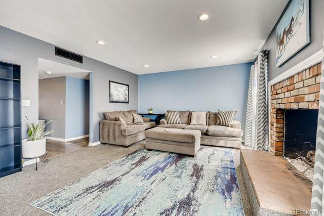 3825 S Monaco Parkway #219, Denver, CO 80237 (#8264443) :: The HomeSmiths Team - Keller Williams