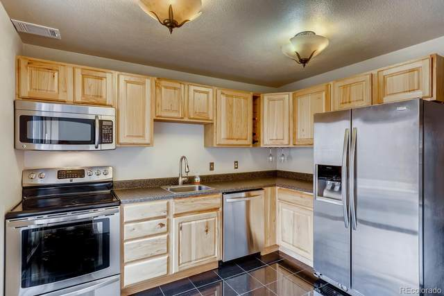 6439 Welch Court, Arvada, CO 80004 (#8440401) :: Berkshire Hathaway HomeServices Innovative Real Estate