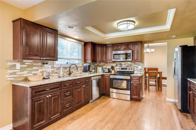 5122 S Laredo Court, Centennial, CO 80015 (#8504739) :: Wisdom Real Estate