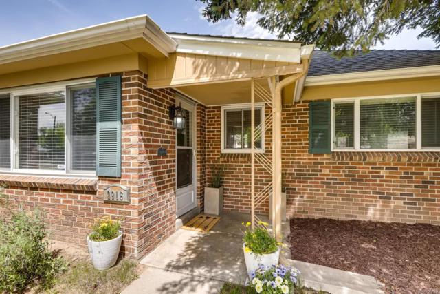 2916 Ivanhoe Street, Denver, CO 80207 (#8553765) :: The HomeSmiths Team - Keller Williams